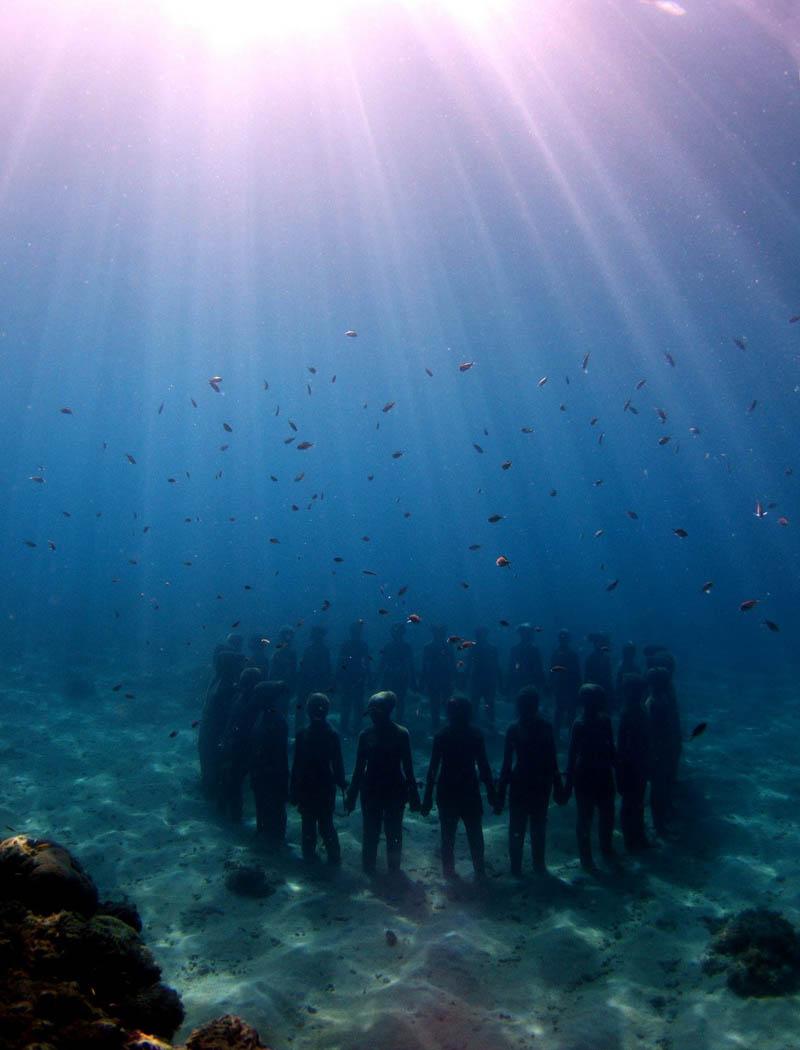 Подводная галерея скульптур