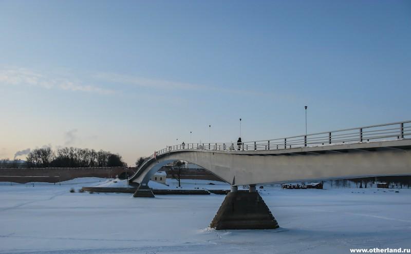 Горбатый мост через Волхов