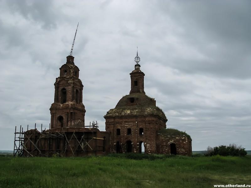 Церковь около Гниломёдово